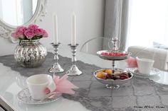 Home White Home: Vaaleanpunainen kattaus ystävälle