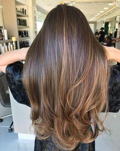 Are you going to balayage hair for the first time and know nothing about this technique? We've gathered everything you need to know about balayage, check! Balayage Hair Brunette Straight, Brown Hair Balayage, Brown Hair With Highlights, Hair Color Balayage, Bayalage, Brunnete Hair Color, Color Highlights, Babylights Brunette, Long Brunette Hair