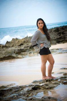 senior photos, graduation photos, senior pictures on the beach in Hawaii, Hawaiianpix Photography