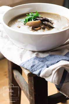 Zupa grzybowa  (z grzybów świeżych i suszonych)