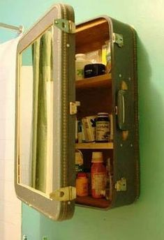 Medicine Cabinet | Easy Organization Ideas for the Home