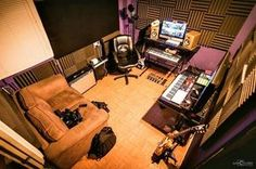 Check out this massive list of home studio setup ideas. Filter down by room colors, number of monitors, and more to find your perfect studio. Home Studio Musik, Audio Studio, Music Studio Room, Sound Studio, Home Recording Studio Setup, Home Studio Setup, Home Recording Studios, Home Music Rooms, Deco Studio