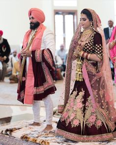 All these colours will be a great choice for a Sikh bride. So let us take a look at all these amazingly designed Bridal Lehnga Colours. Punjabi Wedding Suit, Punjabi Wedding Couple, Couple Wedding Dress, Punjabi Bride, Wedding Suits, Punjabi Couple, Punjabi Suits, Wedding Couples, Wedding Lehenga Designs