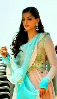 Sonam Kapoor at the sets of Prem Ratan Dhan Payo