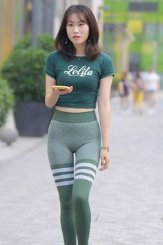 Beautiful Japanese Girl, Beautiful Asian Women, Sporty Outfits, Sexy Outfits, Asian Lingerie, Yoga Pants Outfit, Fashion Tights, Girls In Leggings, Asia Girl