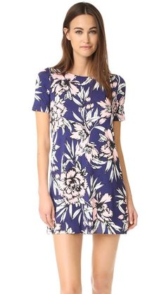 Love a shortsleeve shift dress - blue and light pink a pretty combination..