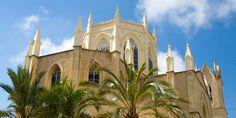 """Iglesia de la Puríssima Xiqueta de Benissa, también llamada """"La Catedral de la Marina"""" por sus dimensiones."""