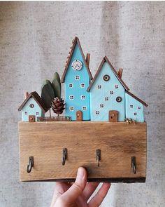 "1,268 отметок «Нравится», 6 комментариев — Хендмейд (@proday_handmade) в Instagram: «Ключница "" Голубой городок"" , автор @domiki_izbyshki» 2x4 Crafts, Wooden Crafts, Easy Diy Crafts, Paper Crafts, Small Wood Projects, Diy Projects, Small Wooden House, Driftwood Crafts, House Ornaments"