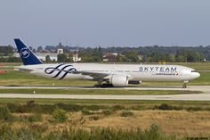 https://flic.kr/p/zGFG5R | LFPG 27 septembre 2015 Boeing 777 Air France Skyteam scheme F-GZNN