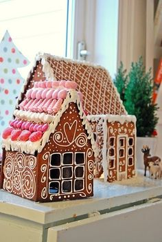 ginger bread houses look better than they taste! by linda