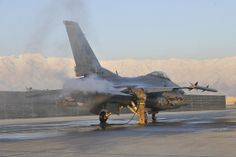 Defrosting an F-16 | Flickr - Photo Sharing!