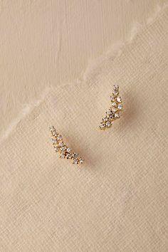 BHLDN Sonya Crystal Earrings in Schuhe & Accessoires Alle anzeigen Prom Earrings, Prom Jewelry, Sapphire Earrings, Turquoise Earrings, Bridal Earrings, Gold Earrings, Wedding Jewelry, Crystal Earrings, Wedding Earrings Gold
