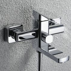 Chrome Finish Solid Brass Tub Tap without Hand Shower T0516W  http://www.uktaps.co.uk/bathtub-taps-c-21.html