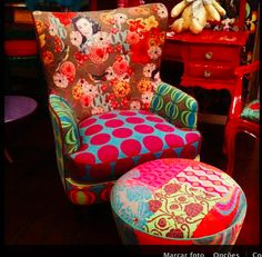 Chair and pouf Funky Furniture, Shabby Chic Furniture, Painted Furniture, Gypsy Home, Upholstered Furniture, Bohemian Decor, Soft Furnishings, Decoration, Upholstery
