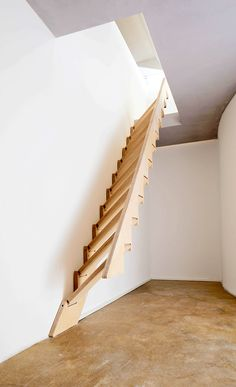 Loft Staircase, Entry Stairs, Articles En Bois, Tiny House Stairs, Home Stairs Design, Wooden Stairs, Interior Decorating, Interior Design, Home Living Room