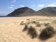 Playa El Playazo en Rodalquilar, Andalucía