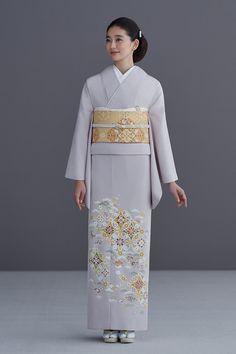 Winter Kimono, Summer Kimono, Yukata Kimono, Kimono Dress, Japanese Costume, Japanese Kimono, Mix And Match Fashion, Kimono Design, Japan Woman