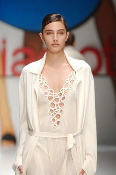 Laura Biagiotti Primavera 2007   Moda em Crochê
