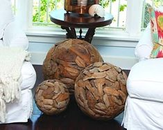 Bolas rústicas feitas de cascas de árvore