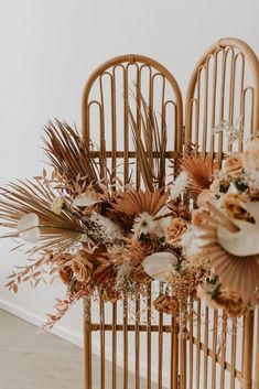 And another job around the corner. Dried flowers & a lot of love it is. Boho Wedding, Floral Wedding, Wedding Flowers, Bohemian Weddings, Fall Flowers, Dried Flowers, Deco Floral, Floral Design, Dried Flower Arrangements
