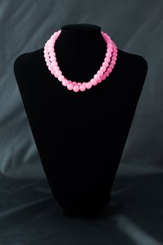 Collar de dos vueltas con bolas de ágata en color rosa con cierre de plata.