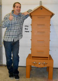 Do you want to be a beekeeper and looking for ideas or plans for langstroth, top-bar, or warre beehives? Here are 36 fee DIY bee hive plans for you. Honey Bee Box, Honey Bee Hives, Honey Bees, Hive Stand, Drone Bee, Bee Hive Plans, Beekeeping For Beginners, Bee Supplies, Raising Bees