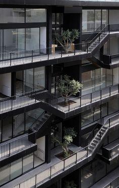 CIRCULAÇÃO VERTI+HORIZ Bloque de viviendas en Beirut, Líbano de Bernard Khoury Architects.