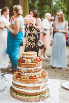 Very Berry Wedding Cake Rezept, Hochzeitstorte Rezept | foodistas.de