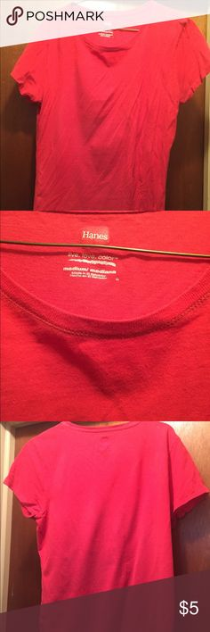Red Hanes t-shirt Red Hanes t-shirt. Great for a casual look or working out. No rips, tears or stains. Hanes Tops Tees - Short Sleeve