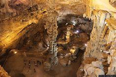 Dorgali Cala Gonone - Grotta di Ispinigoli: l'interno della grotta