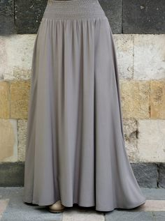 More than just denim skirts, our wide range of fabrics and silhouettes will keep you covered in style. Maxi Skirt Outfits, Long Maxi Skirts, Dress Skirt, Hijab Dress, Muslim Women Fashion, Skirt Patterns Sewing, Latest African Fashion Dresses, Islamic Clothing, Girls Fashion Clothes