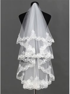 One-tier Waltz Bridal Veils With Lace Applique Edge (006013292) - JJsHouse