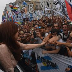 """@cfkargentina """"El pais comodo, se lo dejo para la gente. No para los dirigentes """". #cfkapertura2015"""