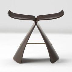 Sori Yanagi Butterfly Stool by Tendo Mokko // Cool Furniture, Furniture Design, Classic Furniture, Creative Architecture, Take A Seat, Mid Century Design, Furniture Collection, Design Awards, Modern Classic