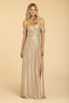 Gold liquid metallic A-line gown, draped crossover bodice, sweetheart strapless neckline with detachable sleeves Mob Dresses, Bridesmaid Dresses, Formal Dresses, Bridesmaids, Bridal Gowns, Wedding Gowns, Allure Couture, Hayley Paige, A Line Gown