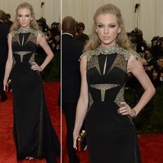 Taylor Swift at the Met Gala awards. Celebrity red carpet look. Hot and sexy