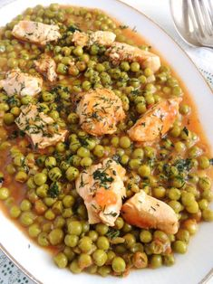 Foodista Recipes Cooking Tips and Food News Romanian Pea and Chicken Stew Diet Soup Recipes, New Recipes, Vegetarian Recipes, Chicken Recipes, Dinner Recipes, Healthy Recipes, Vegetarian Stew, Healthy Food, Easy Recipes