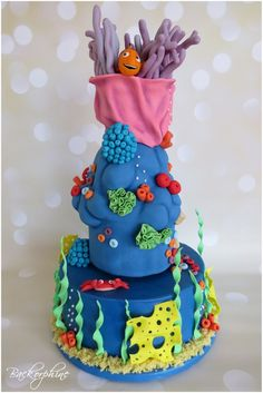 "Illuminated Disneys ""Finding Nemo"" cake"