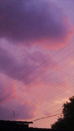 Discovered by RY. Find images and videos about sky and wallpaper on We Heart It - the app to get lost in what you love. Sky Aesthetic, Aesthetic Photo, Aesthetic Pictures, Aesthetic Grunge, Aesthetic Backgrounds, Aesthetic Iphone Wallpaper, Aesthetic Wallpapers, Pretty Sky, Beautiful Sky