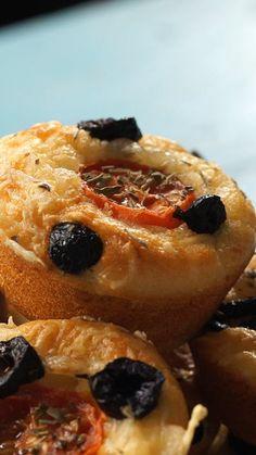 Salt muffin - Des tartes et Pizzas revisitées ! Mini Muffins, Pizza Muffins, Pizza Cupcakes, Cupcake Cakes, Beignets, Orange Dessert, Pie Tops, Cake Mix Cookies, Miniature Food