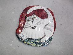 porcelain cat plate with lustres Luster, Snow Globes, Mosaic, Porcelain, Plates, Ceramics, Cat, Drawings, Artwork