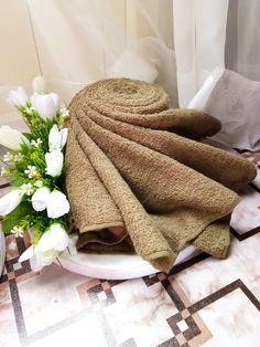 Gubahan Hantaran Tuala Lipatan Kasih Wedding Gift Baskets, Rustic Wedding Gifts, Wedding Favors, Rustic Hampers, Trousseau Packing, Marriage Decoration, Decorative Towels, Wedding Keepsakes, Cardboard Crafts