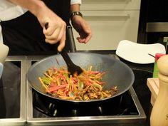 Taller de cocina anticáncer con Odile Fernández | Arroz integral con verduras al vapor y setas aderezado con salsa de soja, cúrcuma y pimienta negra