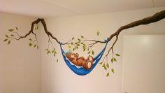 Muurschildering in een #babykamer  Bisytes Art http://www.bisytes.nl   #muurschildering #kunst #art