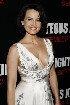 Carla Gugino cleavage in a scoop neck dress Carla Gugino, Beautiful Actresses, Actors & Actresses, Female Actresses, Beautiful Celebrities, High School Fashion, Spy Kids, Female Stars, Famous Women