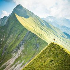Interlaken Switzerland When it comes to trail running the Alps are the place. Endless trails big mountain landscapes and an unrivaled hut system make the experience exceptional. Tag a friend to motivate him! Big Mountain, We Run, Run Happy, Swiss Alps, Mountain Landscape, Trail Running, Things To Come, Adventure, Places
