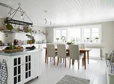 cottage eat in kitchen dining room white wood hardwood floors floor
