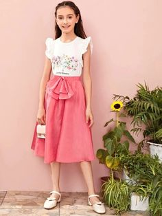 Girls Elastic Waist Bow Front Flare Skirt – Kidenhouse Young Girl Fashion, Kids Fashion, Fashion Outfits, Belted Dress, Dress P, Bow Season, Cute Little Girls Outfits, Cute Young Girl, Pink Patterns
