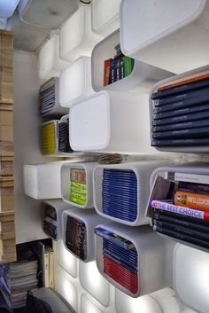 #DIY Estante de caixas plásticas | Minha Casa Container