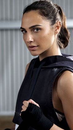 Gal gadot, reebok, boxing, fitness, wallpaper - Healty fitness home cleaning Beautiful Celebrities, Most Beautiful Women, Beautiful People, Gal Gardot, Gal Gadot Wonder Woman, Diana, Celebrity Wallpapers, Actors & Actresses, Hollywood